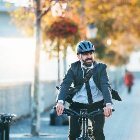 Un cadre réglementaire et fiscal plus avantageux pour le vélo